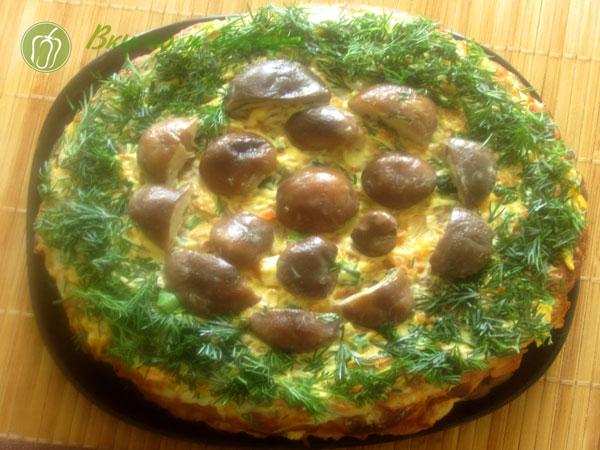 Как мукрасить кабачковый торт - грибы-укроп