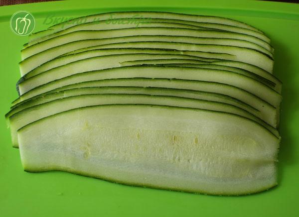 """Горячая закуска """"Свиные рулетики с кабачками"""" – кулинарный рецепт"""