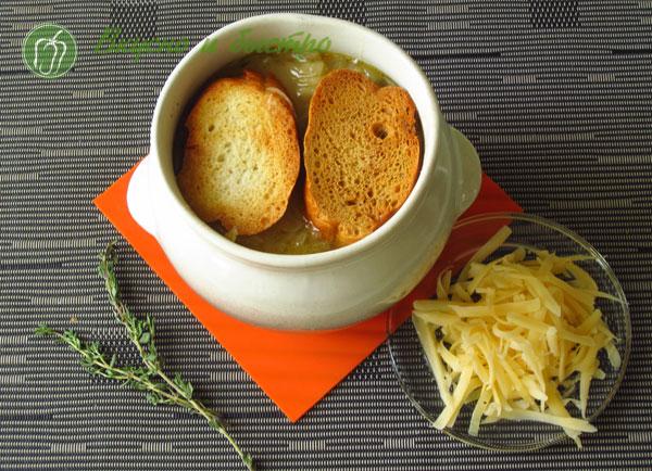 приготовить луковый суп рецепт - с сухариками